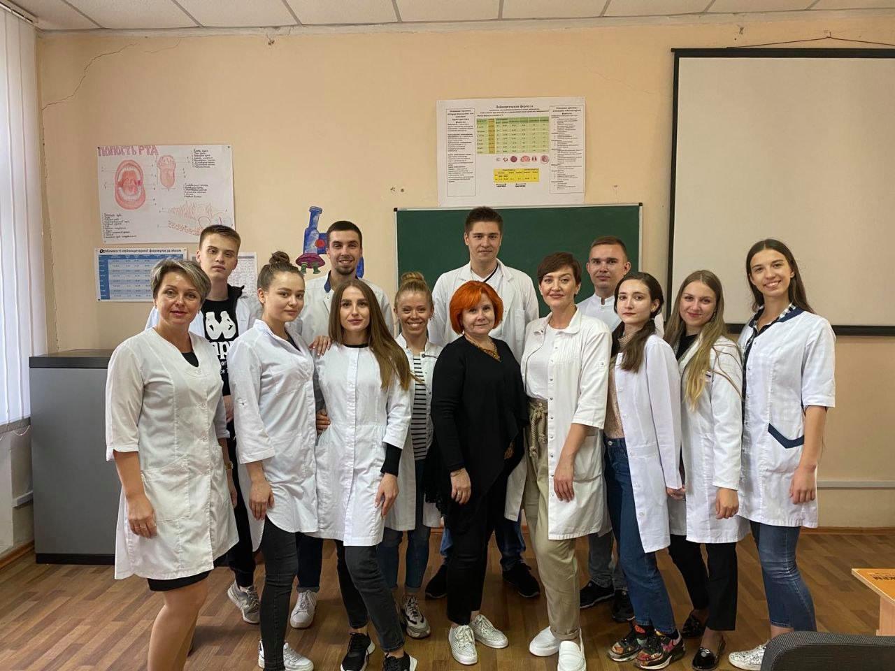 Молодь за здоровий спосіб життя: Студенти ДонНМУ долучилися до акції з профілактики ВІЛ-СНІДу