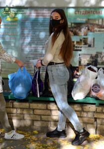 Збір теплого одягу та взуття до Центру обліку бездомних осіб Краматорської міської ради Волонтерським сектором Донецького національного медичного університету