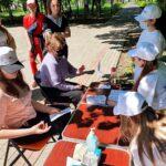 """15 травня 2021 року студенти Донецького національного медичного університету на запрошення ГО """"Перспектива Донеччини"""" взяли участь у фестивалі, що відбувався в Саду Бернадського міста Краматорська"""