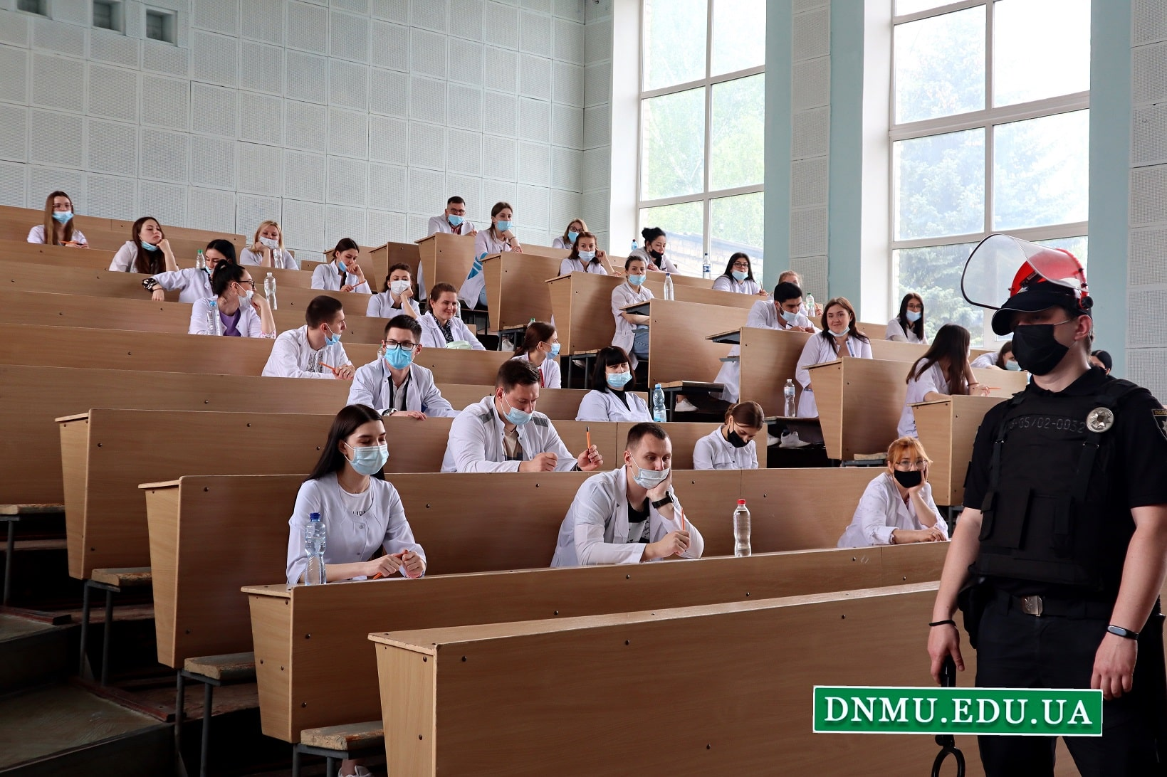 """18-го травня 2021-го року в Донецькому національному медичному університеті майбутні випускники складали ліцензійний інтегрований іспит """"Крок 2"""""""